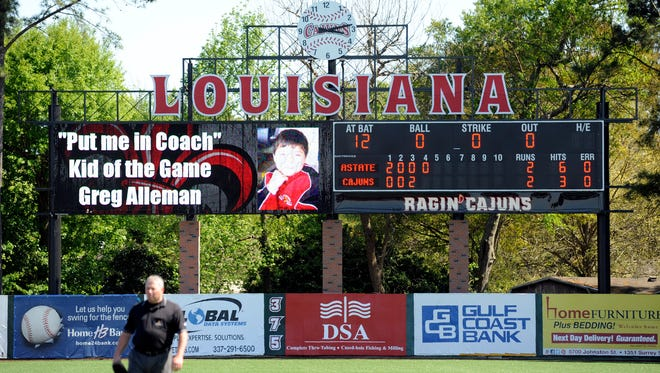 "Be the UL baseball ""Put me in, Coach"" Kid of the Game!"