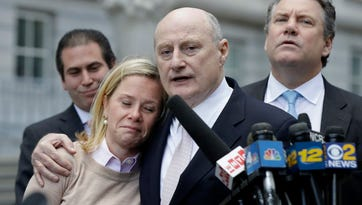Bridget Anne Kelly crying while her lawyer, Michael Critchley, spoke after her conviction in November in the federal Bridgegate trial.