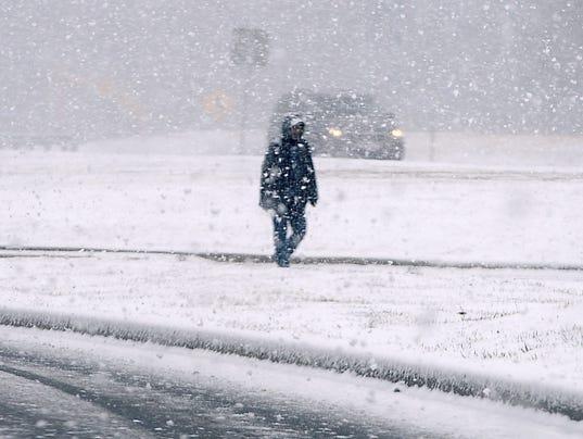 636572489990389311-636572179781648718-AP-First-Day-of-Spring-Snow.jpg