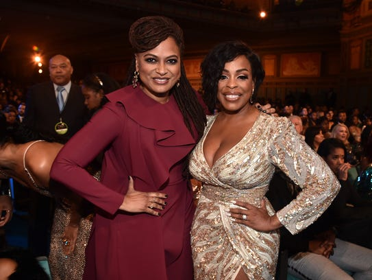 Ava DuVernay (L) and Niecy Nash shared a moment at