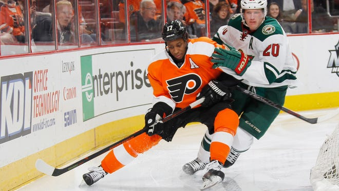 Wayne Simmonds and the Flyers begin a four-game homestand Saturday.