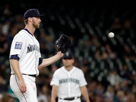Mariners reliever Max Povse