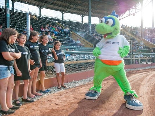 UW_lakemonsters-7676