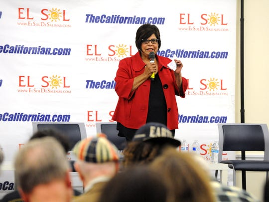 District 4 incumbent Gloria de la Rosa addresses the crowd during the city council candidate forum.