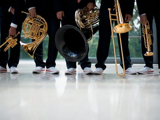 Canadian_Brass_-_feet_Photo_by_Bo_Huang