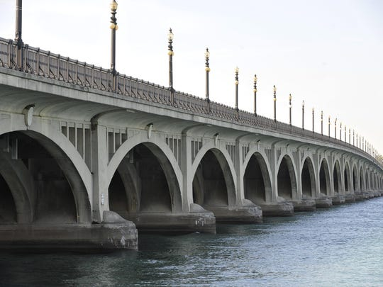Authorities are looking for the body of person believed to have jumped from the MacArthur Bridge to Belle Isle Nov. 20, 2018.