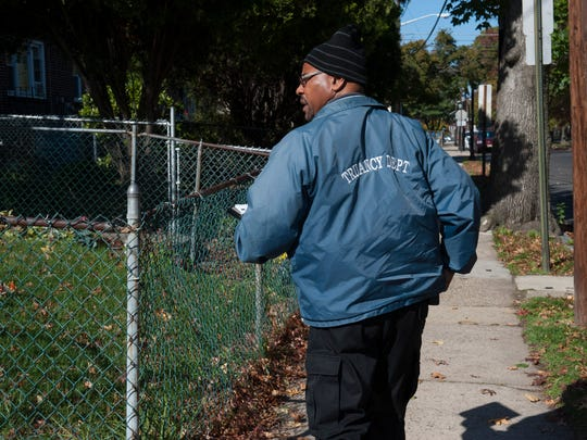 Attendance Officer Steven Sloan el travels around Camden notifying residents when their children's attendance becomes an issue.