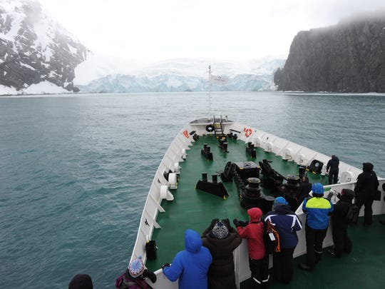 Members of a Students on Ice expedition