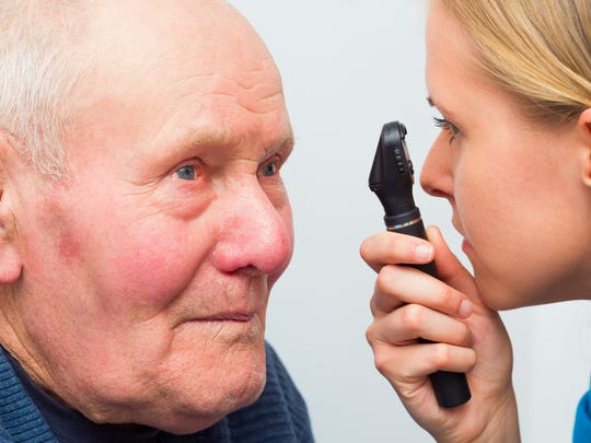 Symptoms that may indicate the formation of a cataract