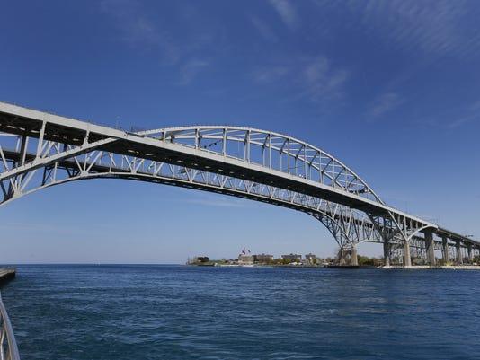 636292465868932619-PTHBrd-04-23-2016-PTH-1-A003--2016-04-22-IMG-Blue-Water-Bridge-1-3-1-O8E5DDFL-L799306489-IMG-Blue-Water-Bridge-1-3-1-O8E5DDFL.jpg