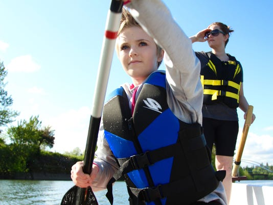 Salem mother and daughter race in dragon boat competition