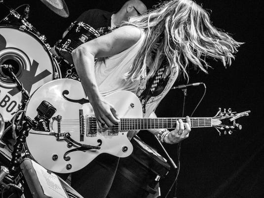 636328743420437994-Michelle-guitar-at-Thelma-by-Sirna.jpg