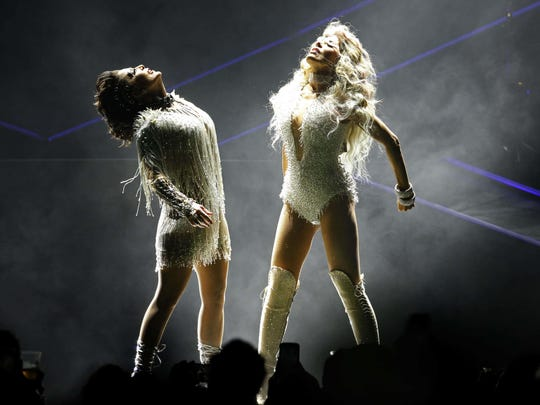 Alejandra Guzmán (left) and Gloria Trevi will perform in the Valley on Sept. 16, 2017.