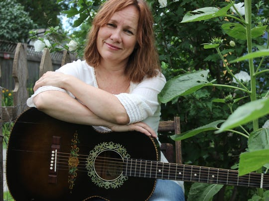 Iris Dement will perform Friday at Astra Theatre in Jasper.