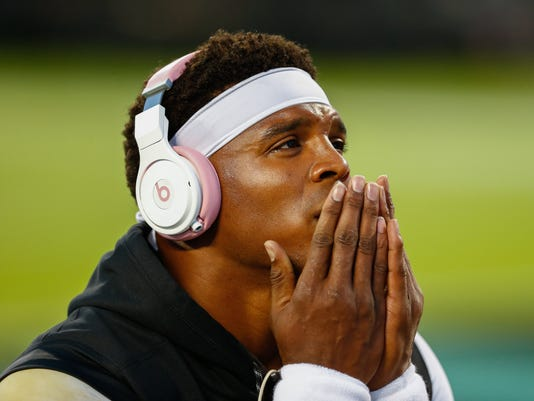 USP NFL: PHILADELPHIA EAGLES AT CAROLINA PANTHERS S FBN CAR PHI USA NC