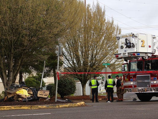 One man dies in single-vehicle crash in Salem
