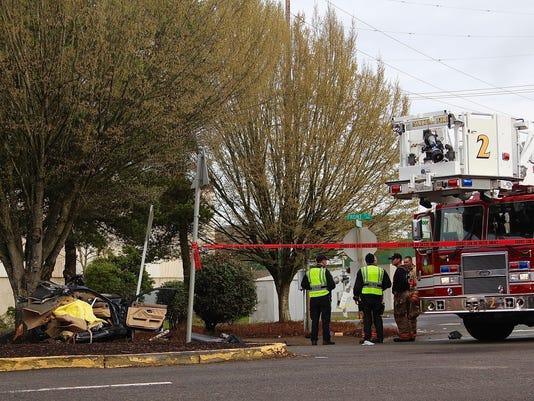 One man dies in single-vehicle crash in Salem