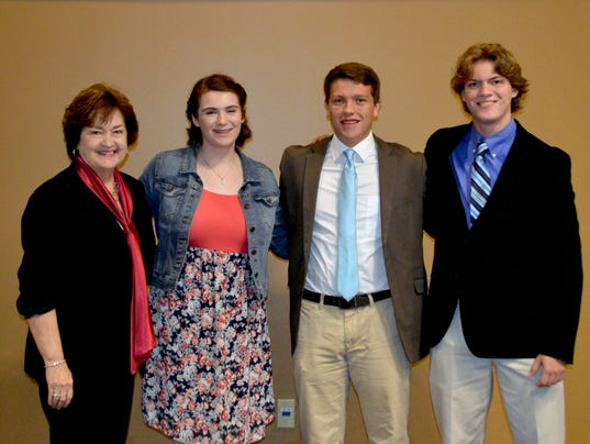 636634737101273167-Judy-Renshaw-left-with-award-recipients-Emily-Kuper-Evan-Holt-and-Cole-Cooper.jpg