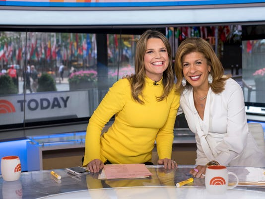 AP TV TODAY SHOW CO-ANCHORS A ENT USA NY