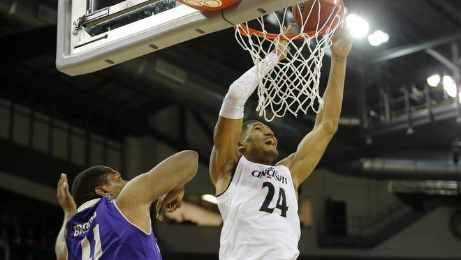 Cincinnati Bearcats forward Kyle Washington had 14 points Monday against Western Carolina, in a rare non-start for the senior.