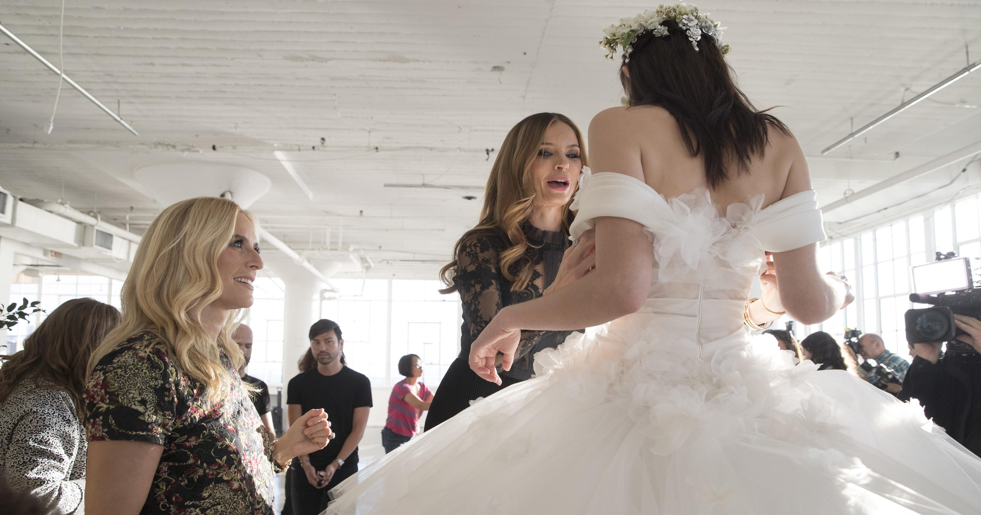 f914d9f9d87 Bridal industry disrupted as marriage rates fall