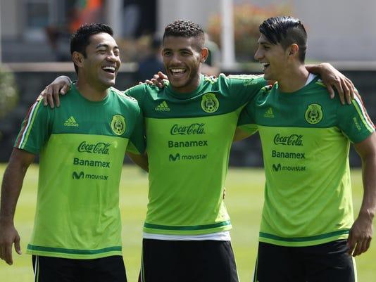 Marcos Fabian,Giovani Dos Santos,Alan Pulido