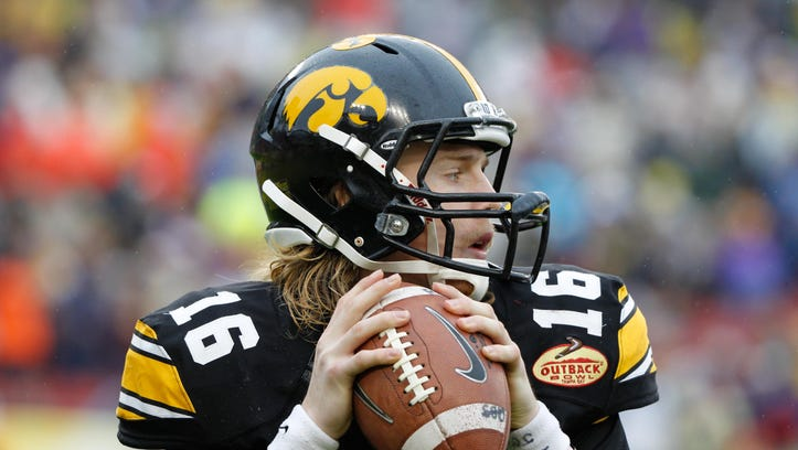 C.J. Beathard has the kind of arm that can keep defenses honest.