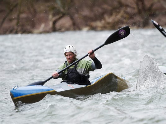 YDR-KP-030516-kayak