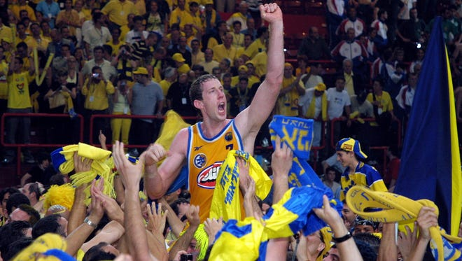 Former Lakeview standout Nate Huffman will be inducted into the Maccabi Hall of Fame. Huffman died of cancer in October.