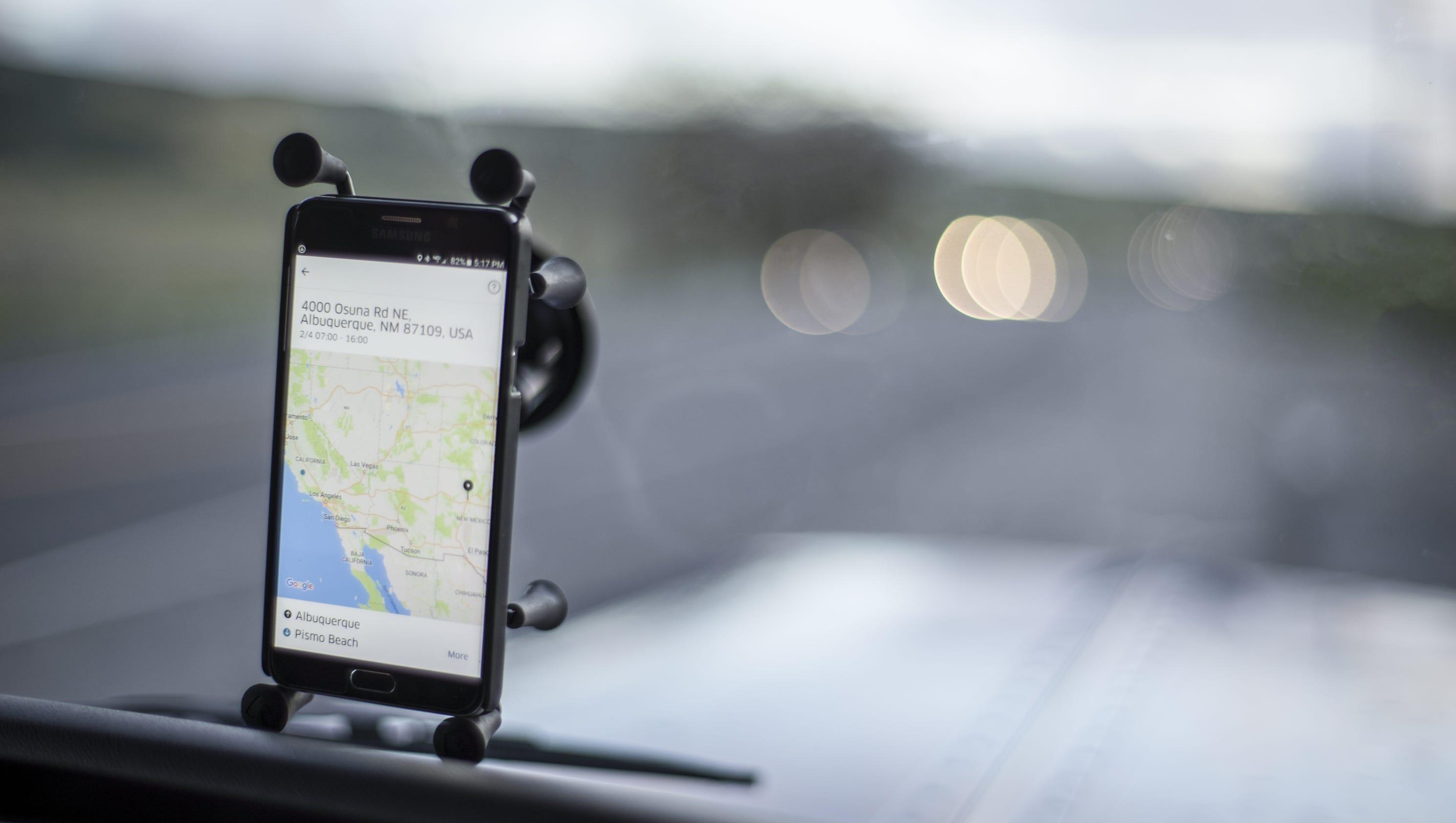 Regulators strip Uber of London operating license