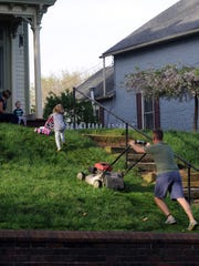 Chillicothe City Council passed legislation to update a city ordinance regarding debris in the street to include grass.