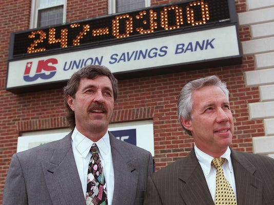 Text: 2000.0424.06.01 BANKER Harry Yeaggy (left) and Louis Beck are partners in the operation of US Bancorp, parent of Union Savings and Guardian Savings, one oc Cincinnati's largets thrifts. For use with Business Sunday story. Cincinnati Enquirer/Michael E. Keating mek