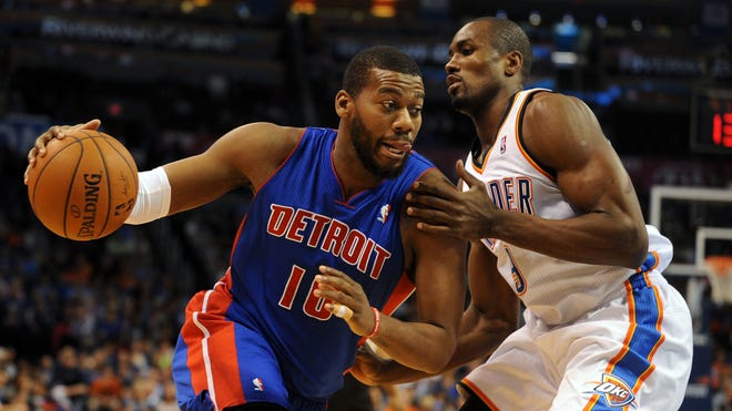 Greg Monroe signed his qualifying offer with the Detroit Pistons, giving him the ability to cash in next offseason -- and effectively choose his next team -- when he's an unrestricted free agent.