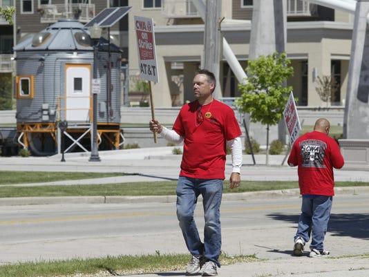 Sheboygan AT&T protest