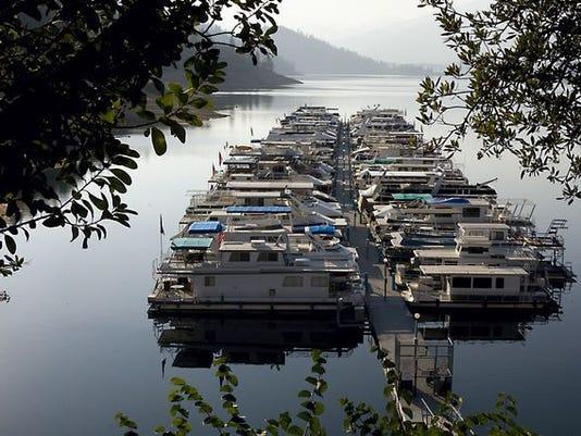 636203546978900637-Houseboats.jpg