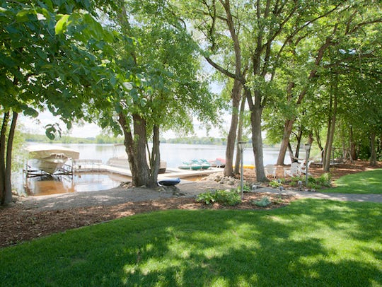 The property takes full advantage of its 200 feet of