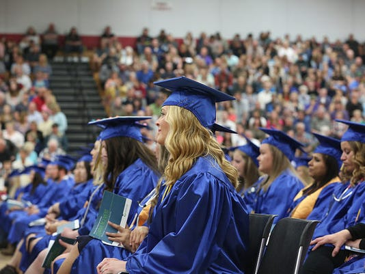 636645635471899654--Commencement-photo2.jpg