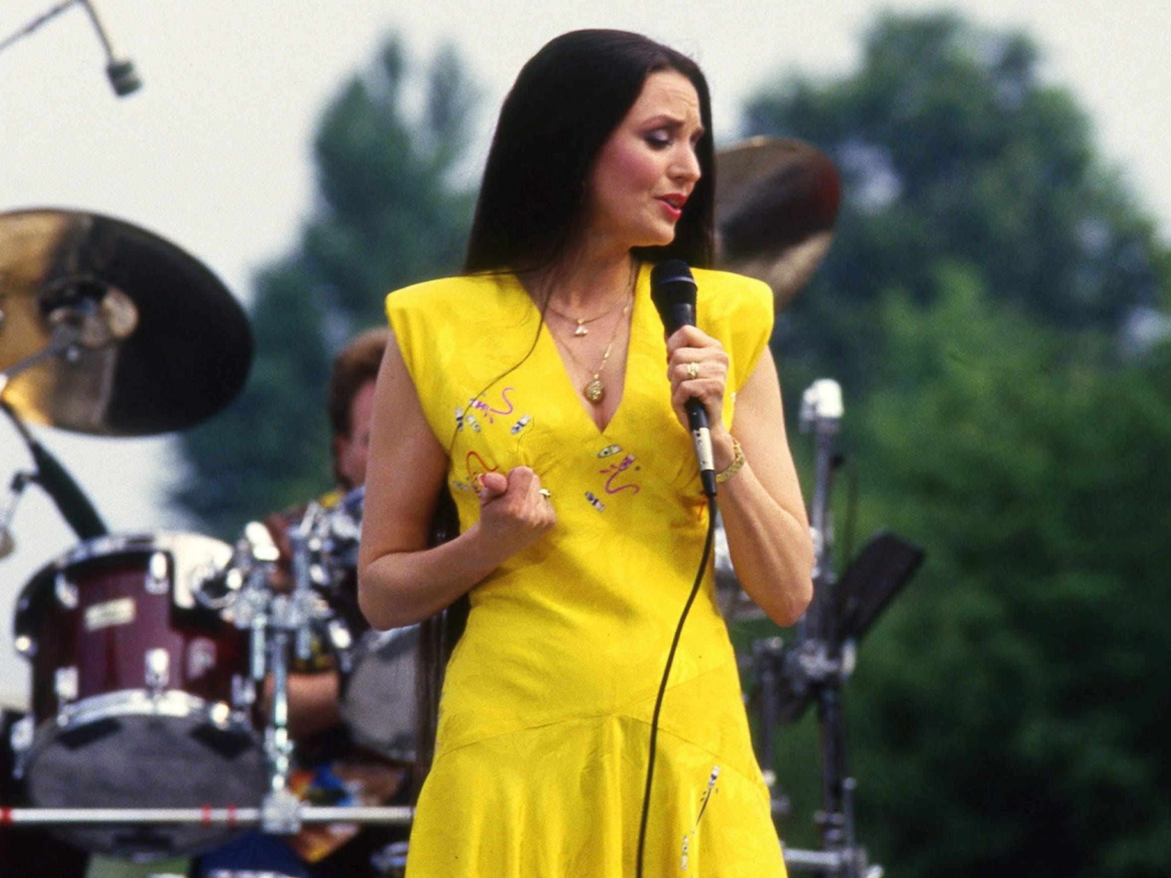 "Crystal Gayle reached No. 2 on the charts with 1977 single ""Don't It Make My Brown Eyes Blue."""