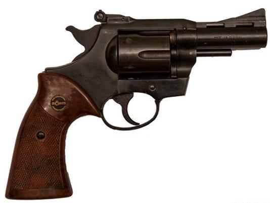 635799186825391446-revolver-1
