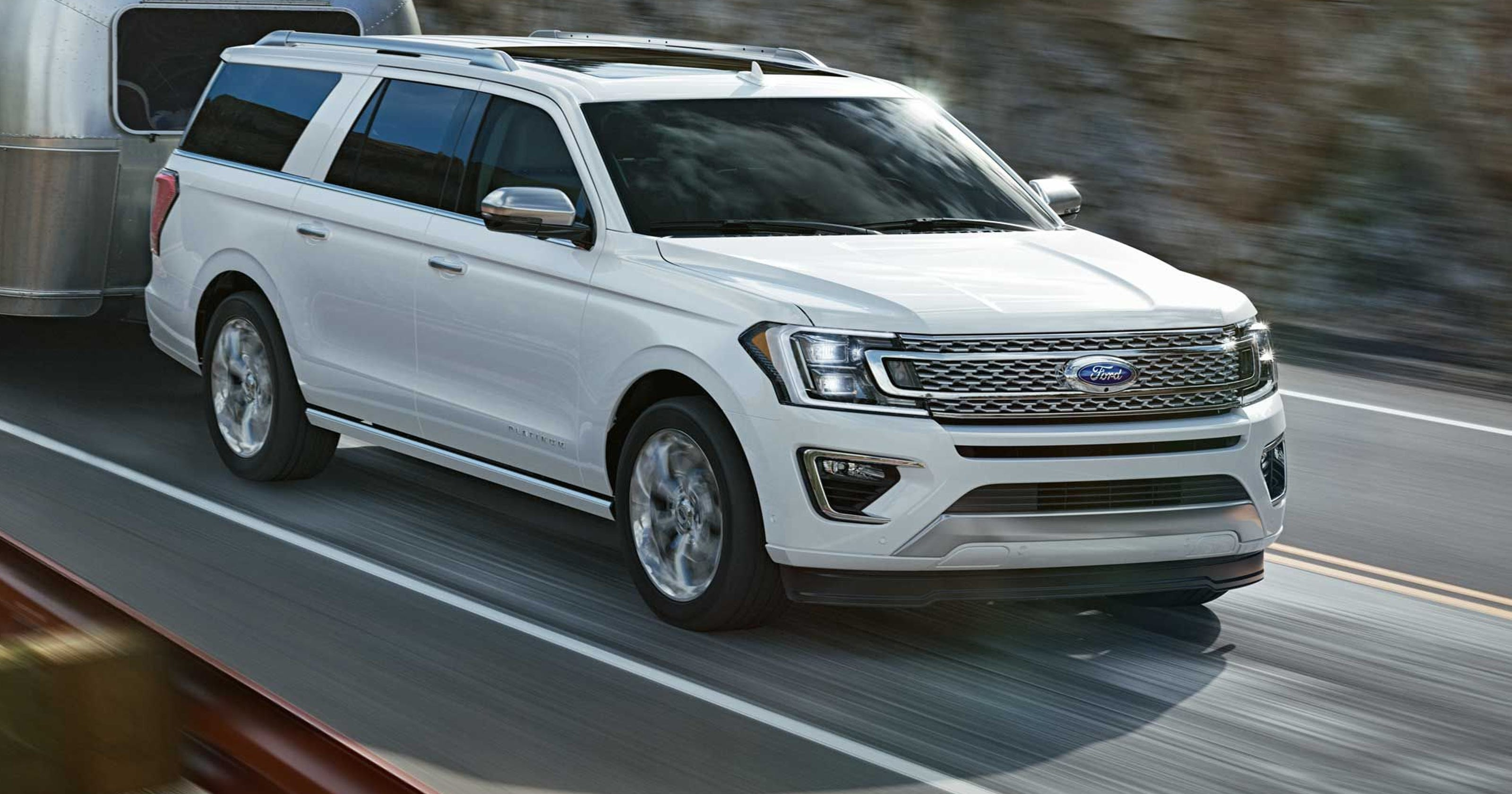 ford makes the already big expedition even bigger for 2018. Black Bedroom Furniture Sets. Home Design Ideas