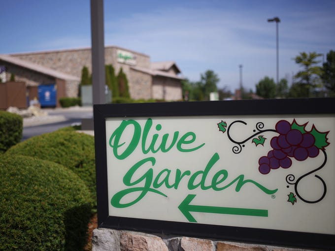 40 plus places for free food bogo deals dining discounts - Olive garden online reservations ...