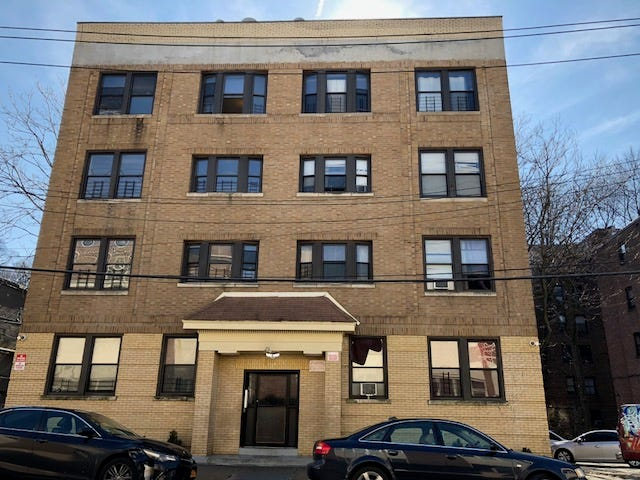 High Quality The Apartment Building At 26 Rollins St., Yonkers,
