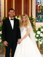 Proferssional baseball player J.P. Arencibia and Kimberly Perry from The Band Perry were married Thursday.