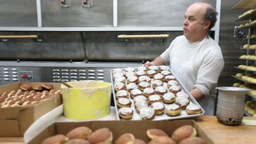 On 'Fat Thursday,' a Polish bakery rushes to produce thousands of paczkis