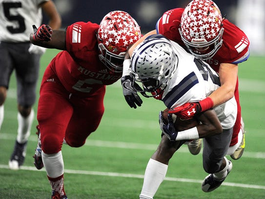 Sweetwater defensive backs Jacoby Hunt (2) and Luke