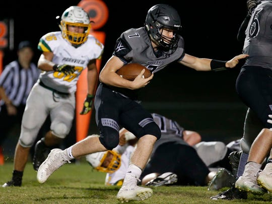 Willard's Reece Dawson gains some yardage against visiting Parkview on October 20, 2017.