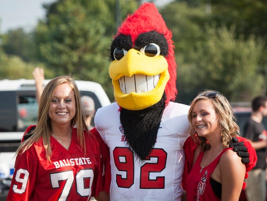 Ball State students Kaitlyn Moss and Kara Boot pose