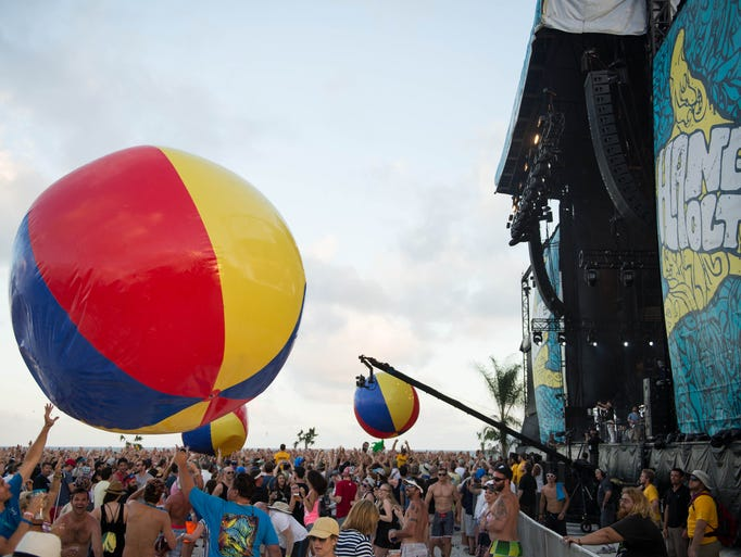 The third day of Hangout Festival 2015 took place on