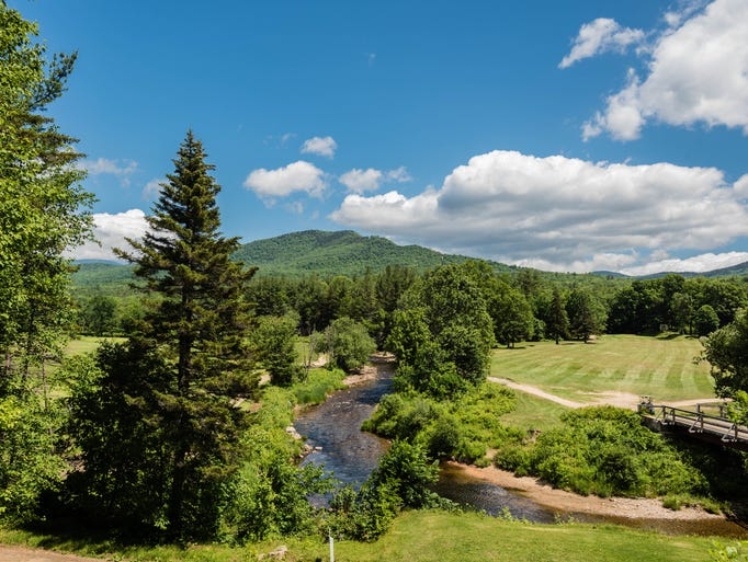 12 new england hotels for a fall getaway for Mountain house media
