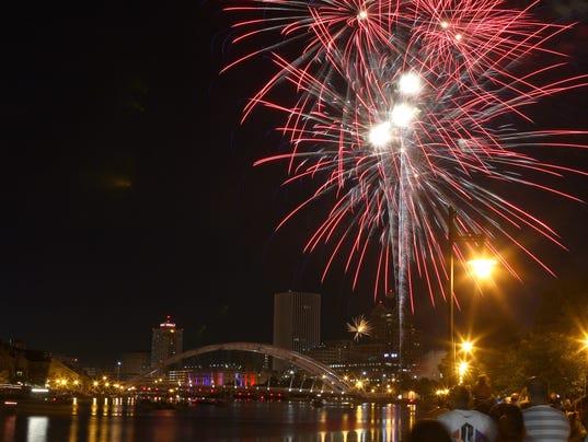 JG 070414 Fireworks 1